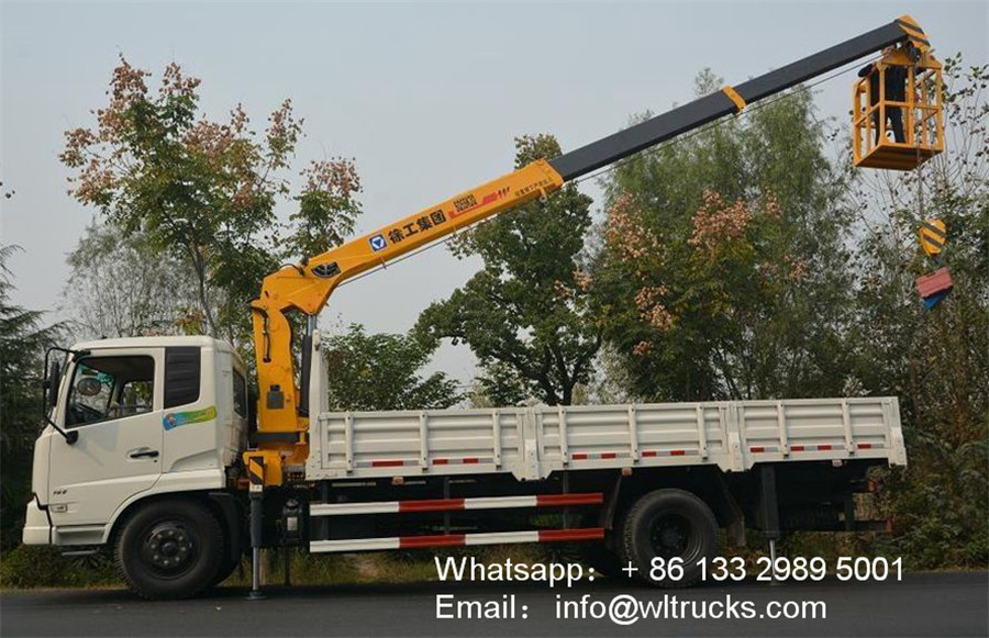 Dongfeng 6ton to 8 ton truck with crane