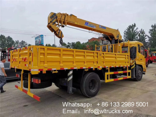 Dongfeng 6ton truck with crane