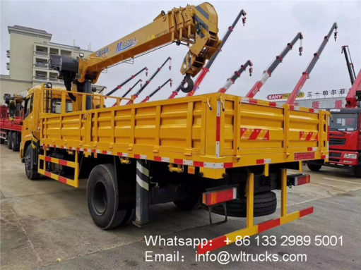 Dongfeng 8ton truck with crane