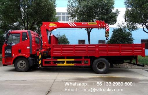 FAW 8t truck mounted crane