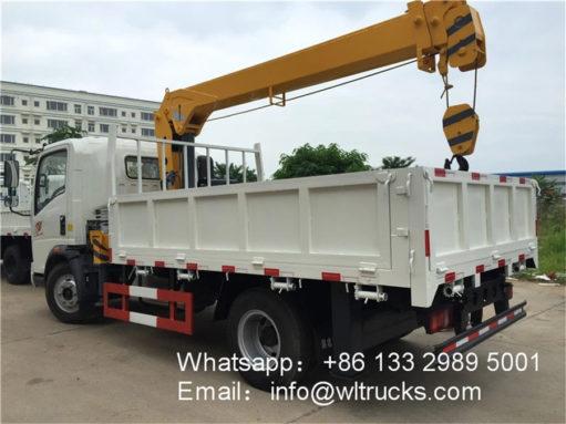 Sinotruk 3 ton truck crane