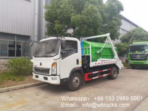 Sinotruk HOWO 4m3 Swing arm garbage truck photo