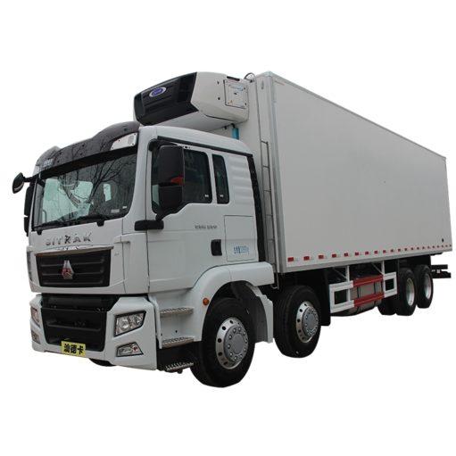 30ft Sinotruk HOWO refrigerator freezer truck