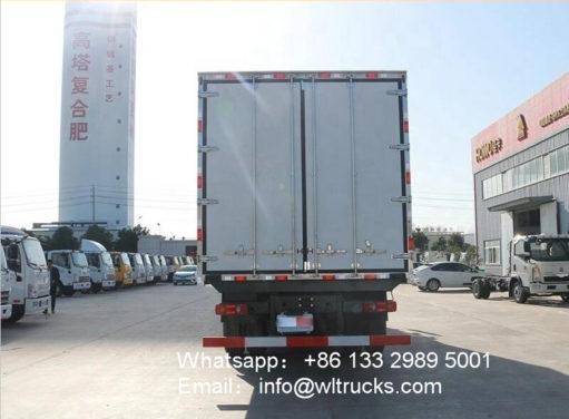 6x2 Dongfeng refrigerator trucks