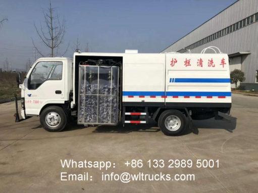 8m3 guardrail washing truck
