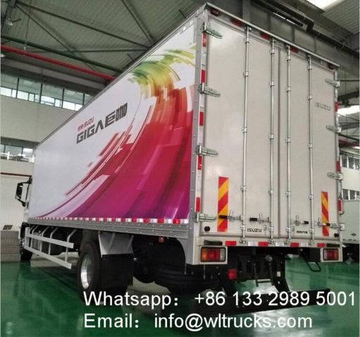 8x4 ISUZU 30 ton refrigerated truck