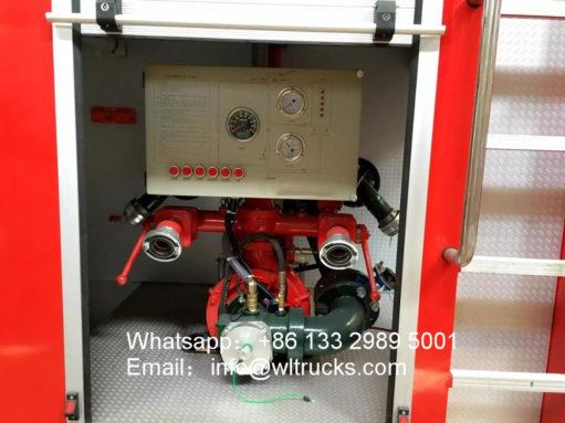 Dongfeng 12 ton water tank fire truck