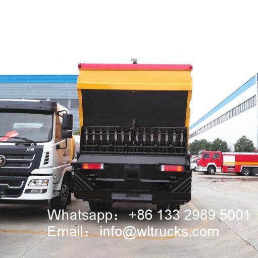 Dongfeng Asphalt gravel sealer truck