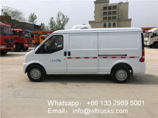 Dongfeng minibus refrigerator trucks