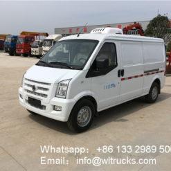 Dongfeng minibus refrigerator truck