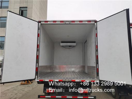 HOWO 6ton cooling van truck