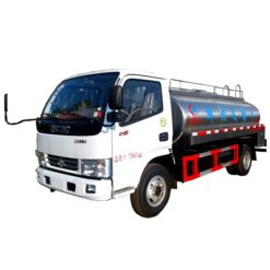 Dongfeng 5000 Liters stainless steel milk transport truck