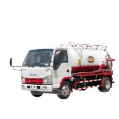 ISUZU 5000 liter sewage suction truck