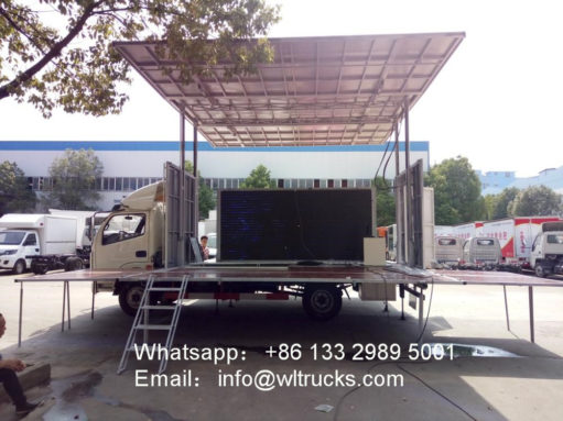 Dongfeng 32 square meters mobile stage truck