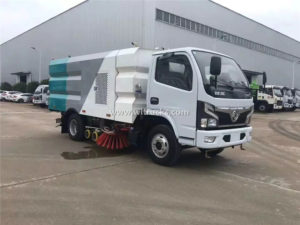 5 tons cleaning and sweeping truck