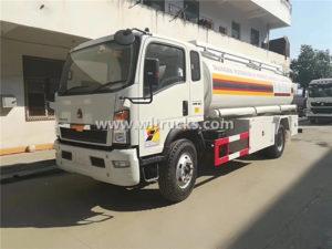 6 wheels HOWO 15000 liters Fuel Dispenser Trucks