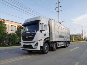 8x4 Dongfeng Tianlong Livestock transport vehicle
