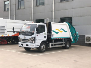 Dongfeng rear loading garbage compactor truck