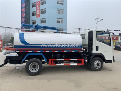 Sinotruk 8000 liter vacuum fecal suction truck