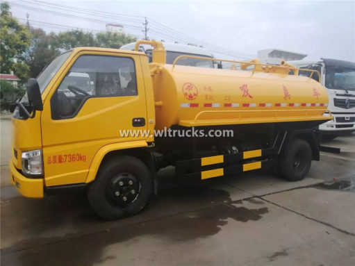 toilet dredge truck