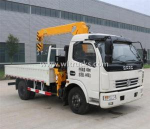 DFAC 5 ton Cargo Lorry truck crane
