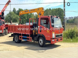 HOWO 3 Ton cargoTruck Mounted Crane