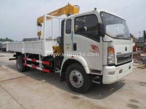 HOWO 5 ton Boom Crane