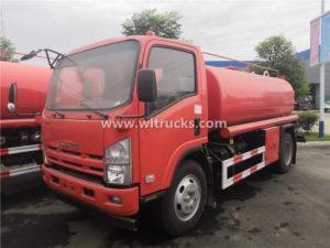 Isuzu 8 ton water sprinkler truck