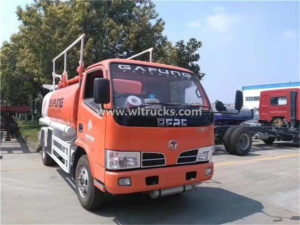 Light Duty Dongfeng 4 ton Fuel Oil Refueling Truck