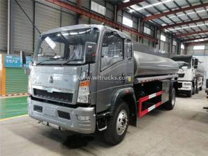 RHD 4X4 Sinotruk HOWO 10 ton Fuel Refueling Truck