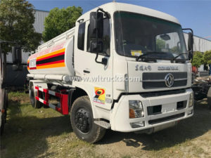 Rhd Dongfeng 12 ton fuel oil dispenser truck