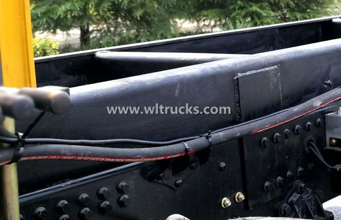 Picture of hydraulic system pipeline of truck crane