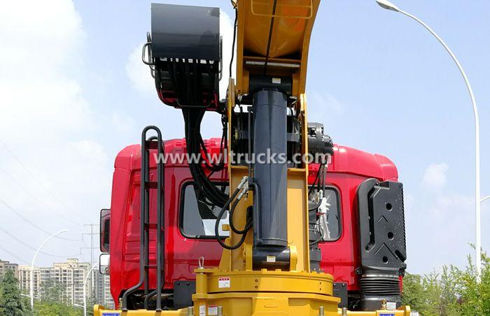 Truck crane hydraulic cylinder picture