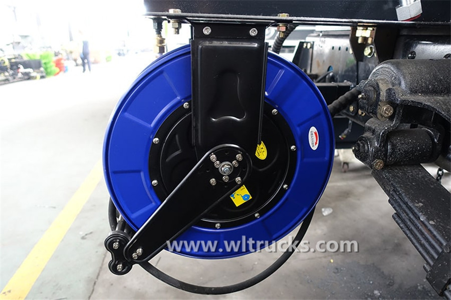 Dongfeng KinRun washing and sweeping truck High pressure reel spray gun