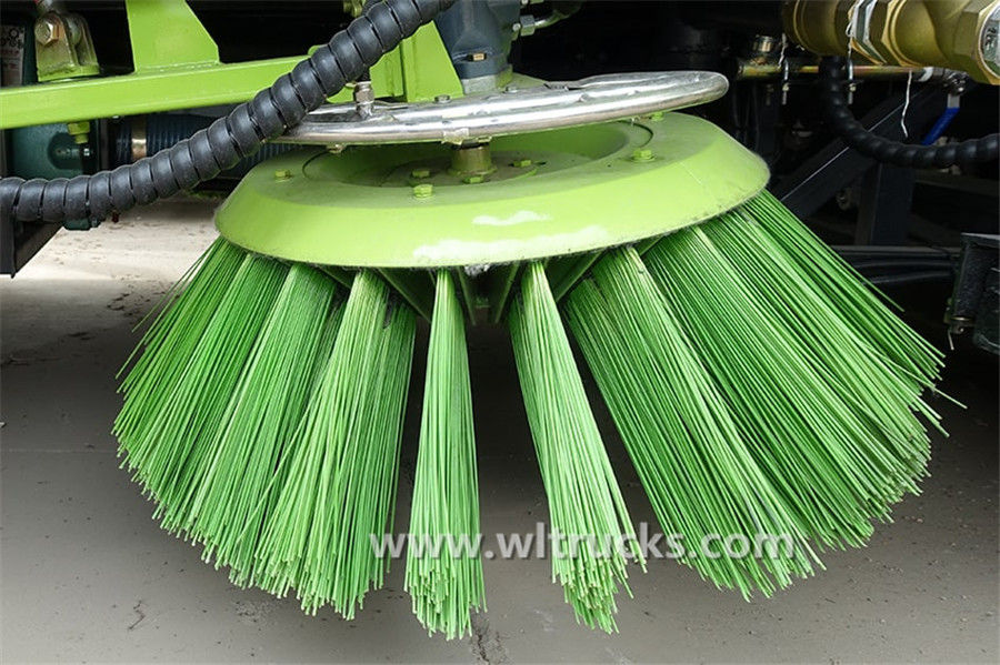 Dongfeng KinRun washing and sweeping truck Sweep tray