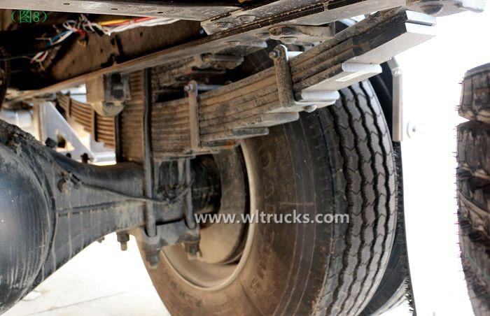 Dongfeng KinRun 10 ton Fuel oil tanker truck drum brake picture
