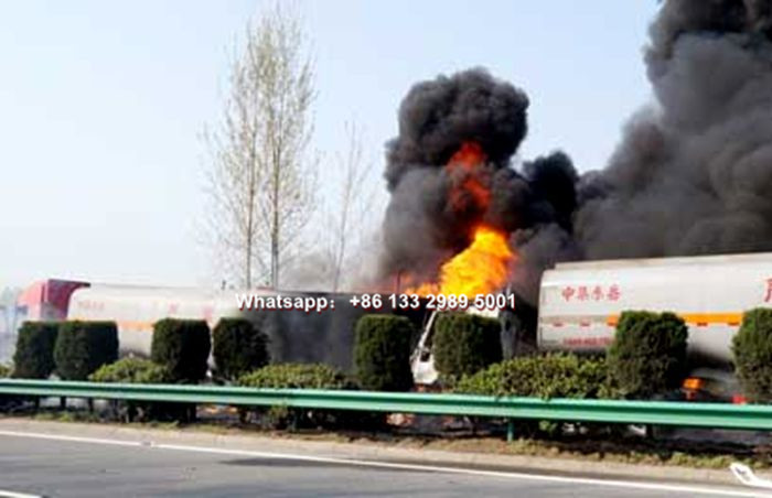 Fuel oil tanker truck Traffic accident catches fire and explosion pictures