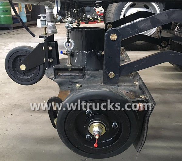Road sweeper truck Rear suction cup