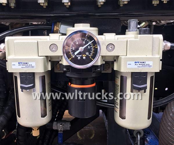 Road sweeper truck barometer