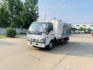 Isuzu dry vacuum cleaner sweeper truck