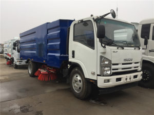 Isuzu 8m3 road sweeper truck