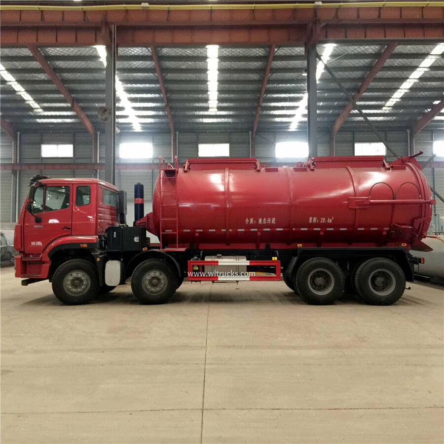 12 tires Sinotruk Howo 20000 liters sewage suction truck