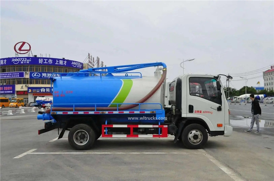 Dayun 6000L fecal suction truck