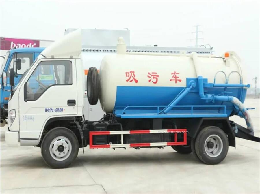Forland 5000 liters vacuum sewage suction tanker truck