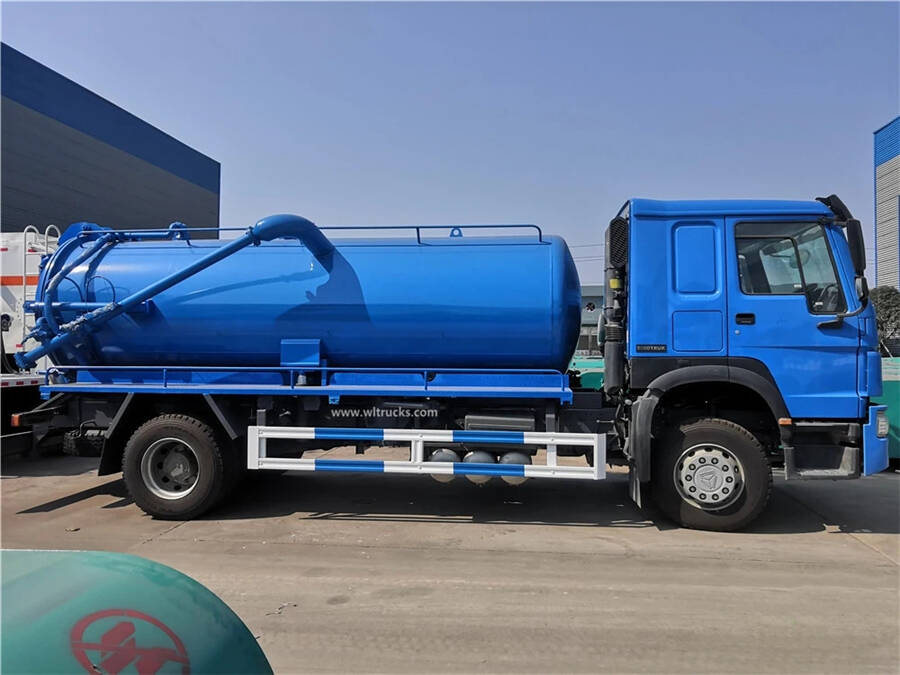 HOWO 12000 liters sewage suction truck