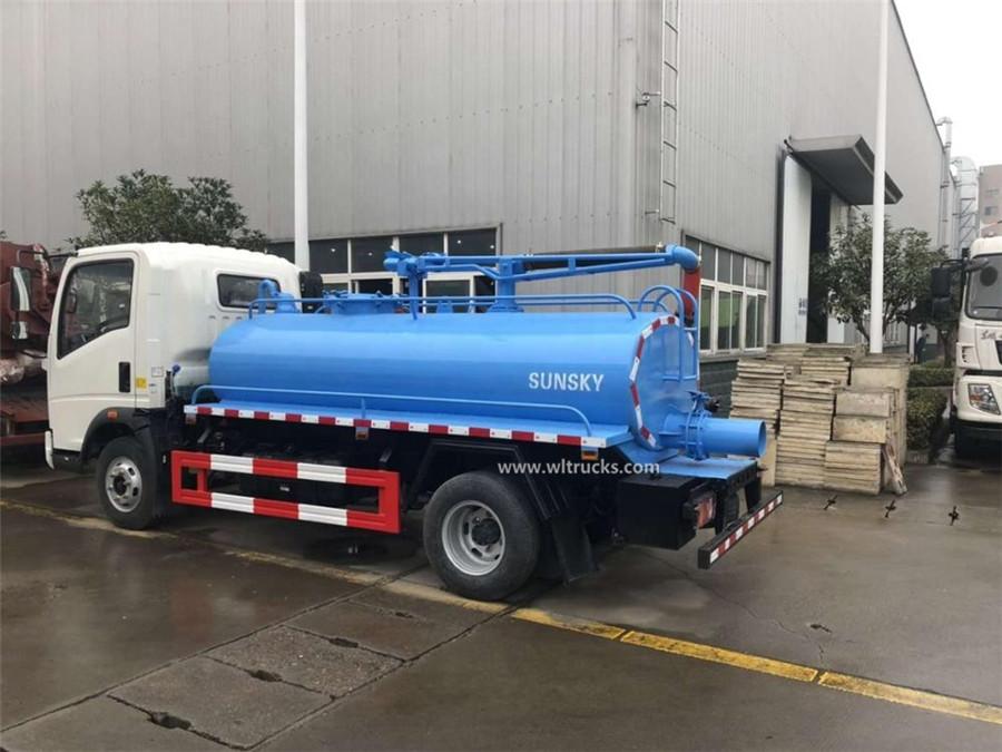 Sinotruk HOWO 5 ton septic tank vacuum trucks