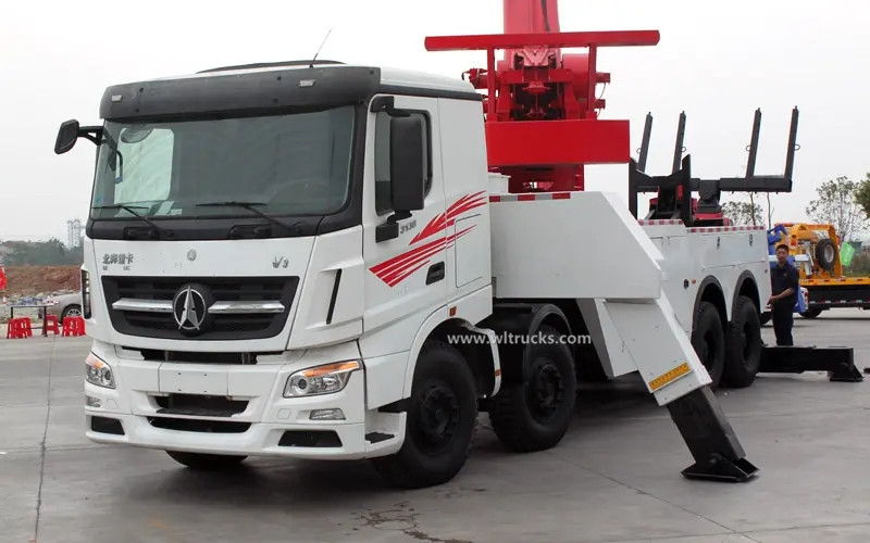 12 wheel North Benz 60 ton rotator tow truck