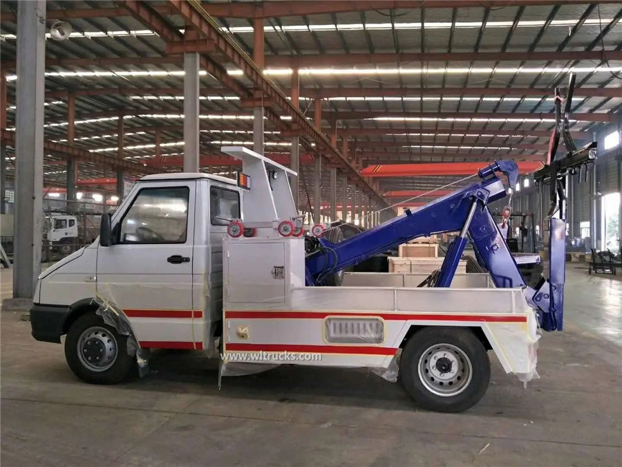 IVECO 3 ton wrecker carrier  towing truck