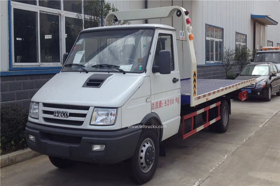 Iveco 3t flat self loader tow truck