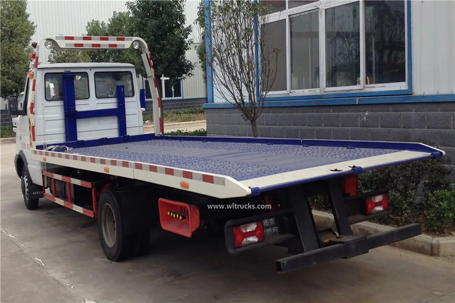 Iveco 3t flat self loader wrecker tow truck